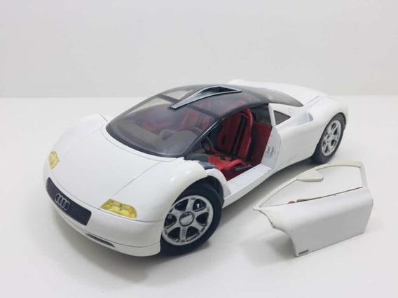 Miniatura Audi Avus Revell Branco 1/18