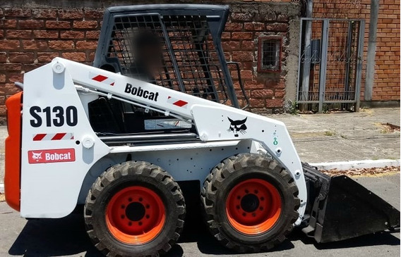 Mini Carregadeira Bobcat S130 2011