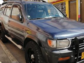 Camioneta 4x4 Nissan Pathfinder