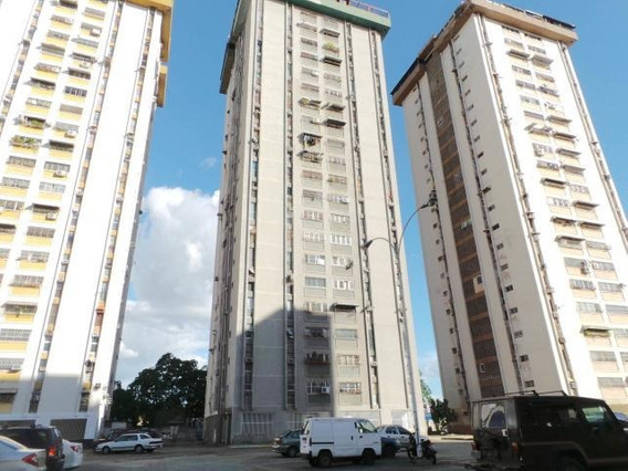 Apartamento De 90mts2 En Res.maracay Gbf 20-513