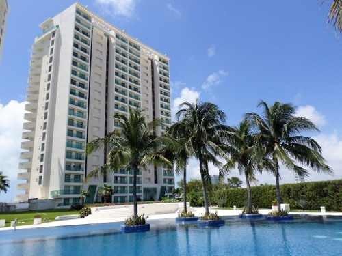 Se Renta Departamento En Cancun - Puerto Cancun C2528