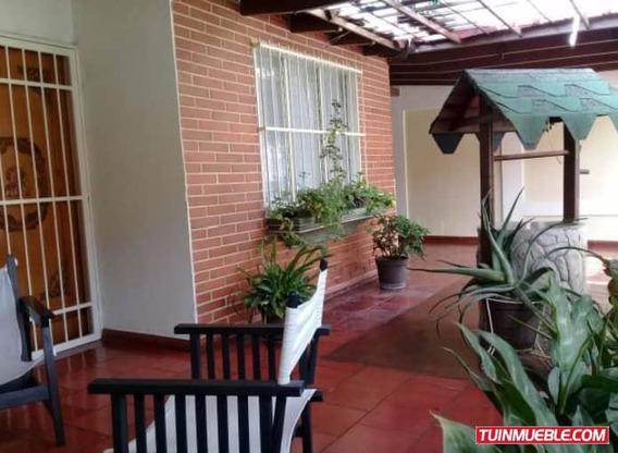 Casas En Venta Urb La Floresta 04125317336