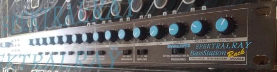 Novation Bass Station Sintetizador Análogico