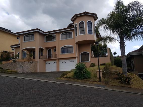 Se Vende Casa En Bosques De Altamonte, Curridabat, San José