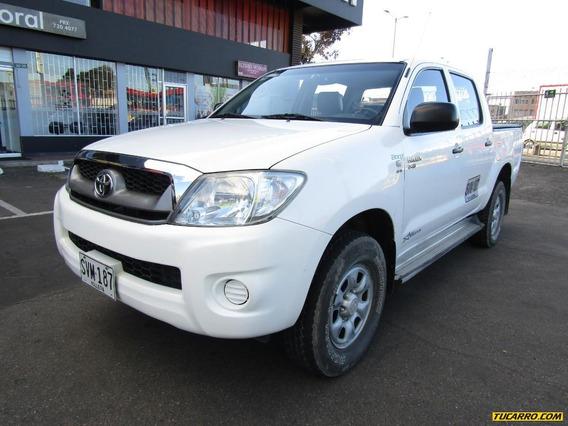 Toyota Hilux Doble Cabina 4x4