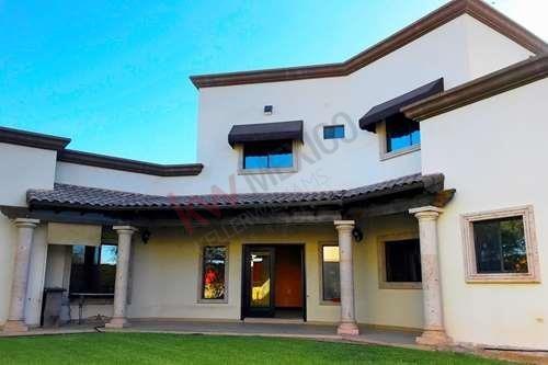 Hermosa Residencia De Lujo En Venta En San Agustín De Las Palmas Con Recamara Principal En Primer Nivel