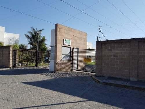 Se Renta Departamento Atrás De Plaza San Diego, Muy Cerca De Av. Forjadores