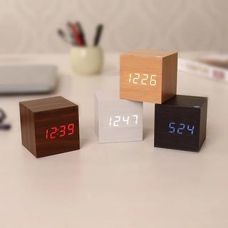 Reloj Despertador De Madera Con Control De Sonido Led