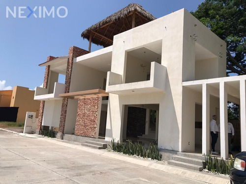Imagen 1 de 30 de Casa En Venta En Bahia De Banderas, Bucerias, Nayarit