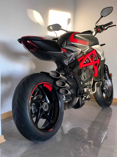 Mv Agusta Brutale 800 - No Ducati No Yamaha