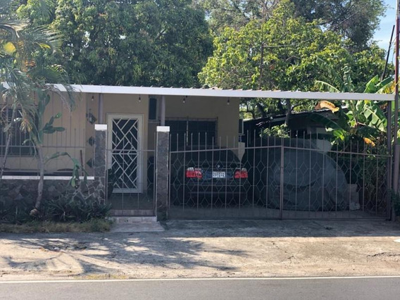 Casa En Alquiler En Parque Lefevre 19-11680 Emb