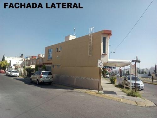 Casa Ampliada, En Esquina Sobre Av Con Y 6 Locales