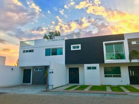 Amplia Casa En Fraccionamiento Privado, 4 Recamaras