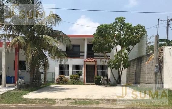 Venta De Casa Residencial En Col. El Charro, Tampico.