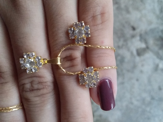 Conjunto De Colar E Brincos Flor De Cristal Banhados A Ouro