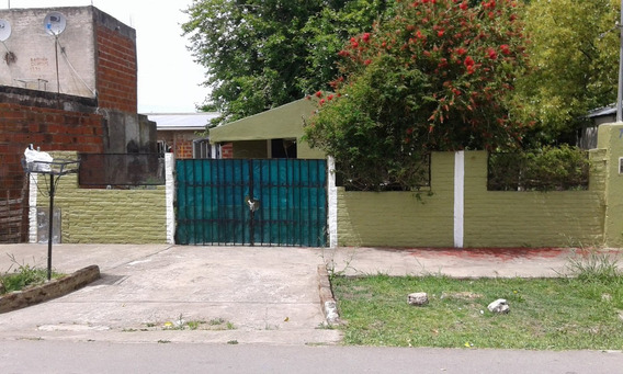 Hermosa Casita, En Barrio El Carmen, Calle 77 E 124 Y 125