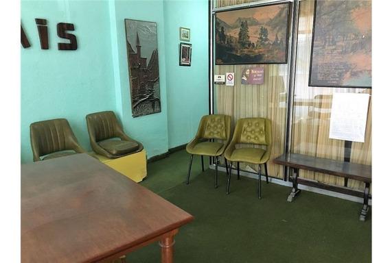Oficina Al Frente/ Planta Baja / Entrada Indepen