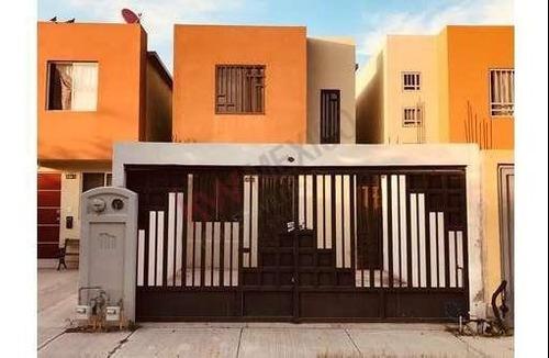 Venta De Casa En Mitras Bicentenario Sector Reforma Villa De Garcia Nuevo Leon