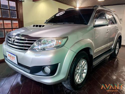 Toyota Sw4 Hilux  Srv 3.0 4x4 (7 Lugares)
