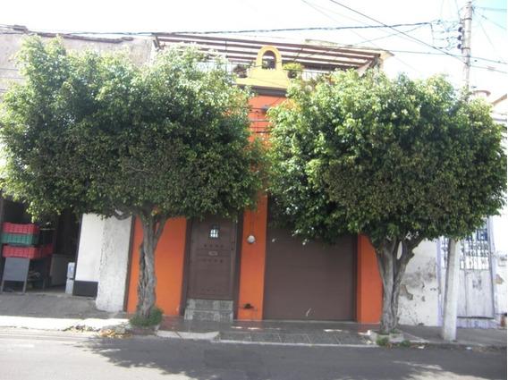 Casa En Venta En Colonia Moderna.
