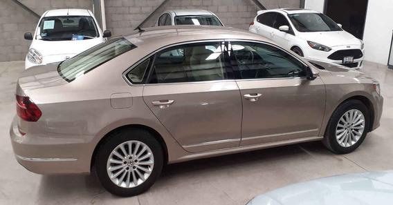 Volkswagen Passat 2017 4p Sportline L5/2.5 Aut Led