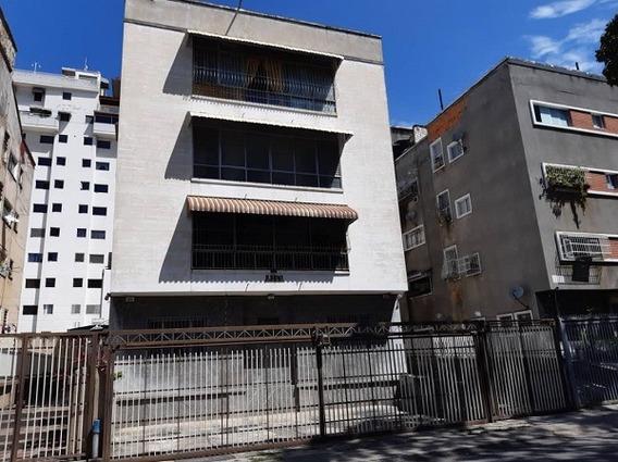 Excelente Apartamento En Edificio Pequeño