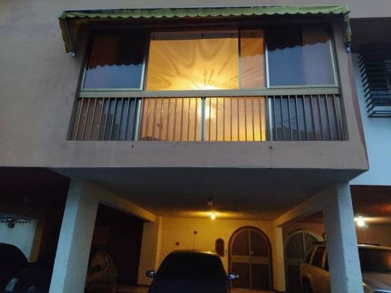 Townhouse En Los Chorros 04141147690