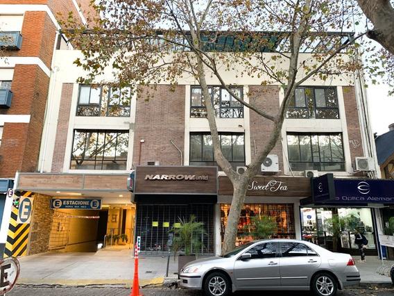 Venta De Oficina Comercial Con Renta En San Isidro