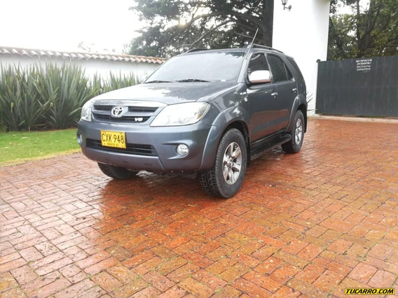 Toyota Fortuner Sr5 4.0cc At Aa