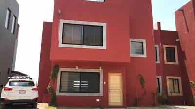 Renta De Casa Nueva En Fracc. El Capricho
