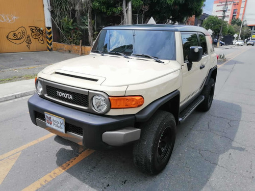 Toyota Fj Cruiser Black Iii Automatica