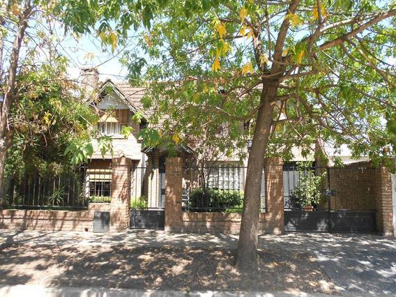 Casa En Venta :: 4 Ambientes :: Ituzaingo :: 317m2