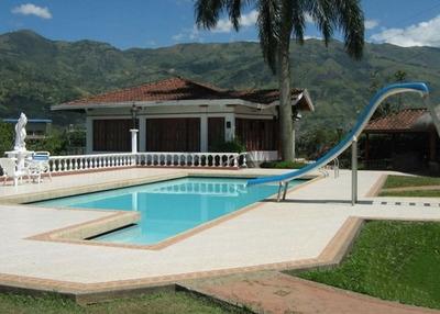 Alquiler De Fincas En Antioquia En Girardota Codigo. 4032