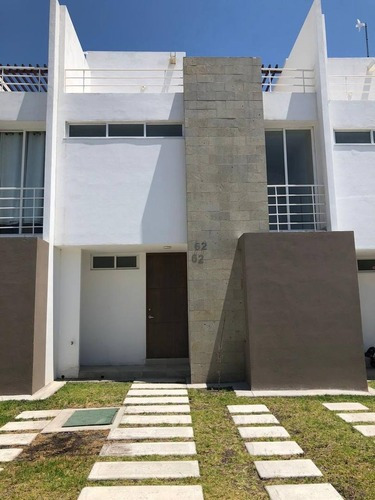 Casa En Renta Av. Paseo De Zakia No. 3300, Cond. Aquila, Zakia