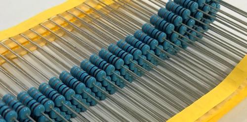 Imagem 1 de 4 de Resistor Metal Film 22k 2w 5% - 100 Peças