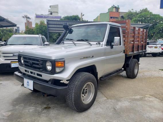 Toyota Fzj 73 Lc Estaca