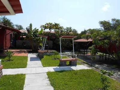 Terreno Con Terraza En Buenavista Cuauhtemoc, Colima