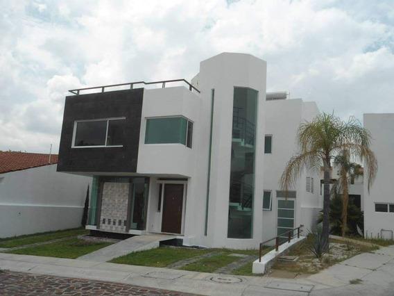 (crm-1621-1886) Gps/ Casa En Renta En Cumbres Del Lago, Juriquilla, Qro Con Vista Al L
