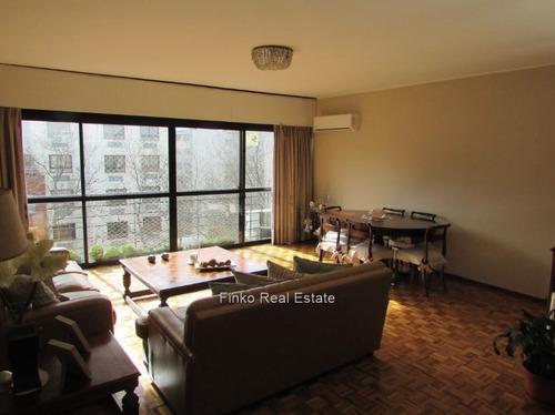 Apartamento De 3 Dormitorios Y Estar En Pleno Pocitos