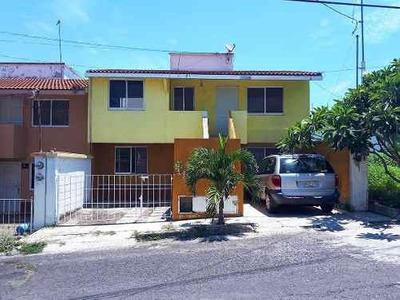 Casa En Venta Graciano Sanchez / Punta Salinas