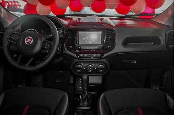 Fiat - Novo Fiat Toro Freedom 1.8 1 05 Passageiros 2020