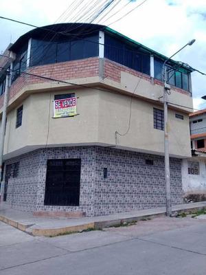 Casa De 3 Pisos 6 Dormitorios Sala Comedor Cocina Terraza