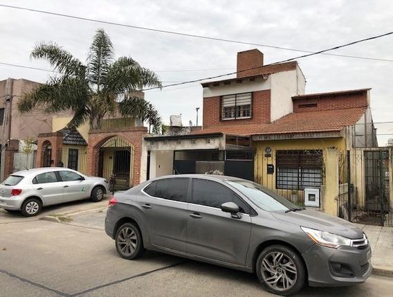 Casa Venta La Plata Con Departamento Y Fondo