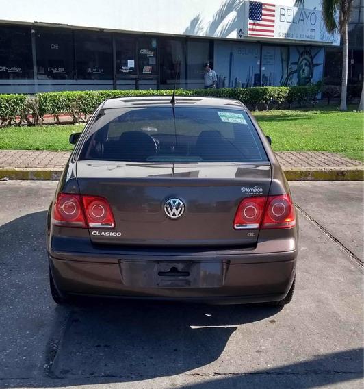 Volkswagen Jetta Clásico 2.0 Gl Team R16 Mt 2012