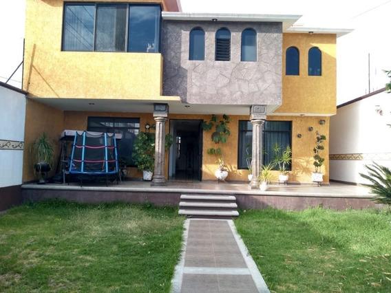 Hermosa Casa En Venta Con Excelente Ubicación