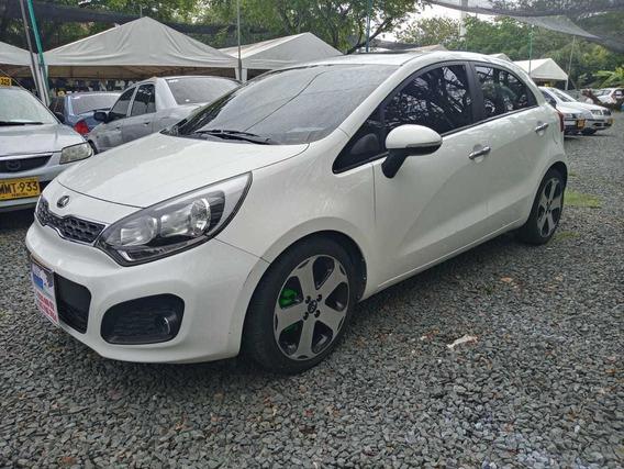 Kia Rio Ub Ex Motor 1.4 2015 Blanco 5 Puertas