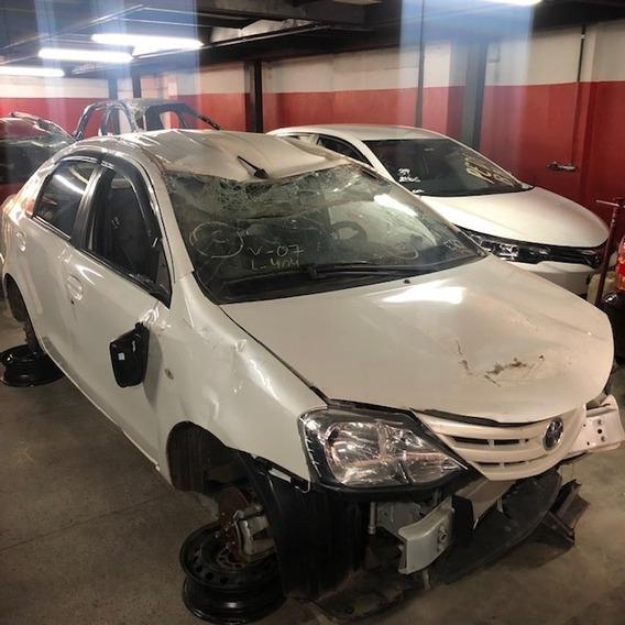 Sucata Toyota Etios Sedan 1.5 Para Vendas De Peças, Motor