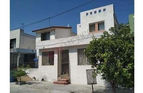 Casa En Venta En Los Amarantos En Apodaca
