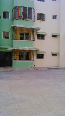 Se Alquila Apartamento En Hainamosa.