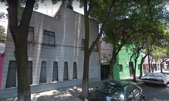 Casa En Remate En Calle Colegio Militar Col. Tacuba